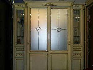 Классический шкаф купе массив с фацетными зеркалами и гравировкой Актобе