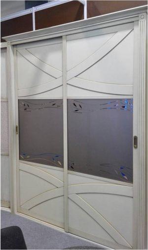 Классический шкаф купе с эксклюзивным декором Актобе